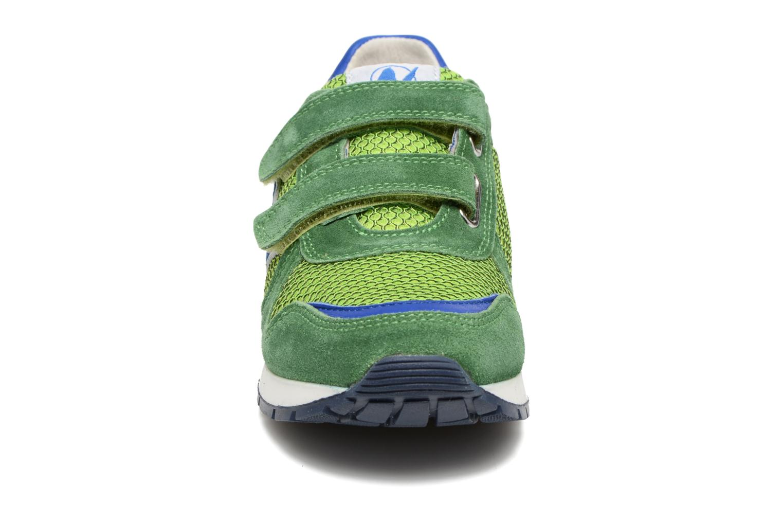 Baskets Naturino Bomba VL Vert vue portées chaussures
