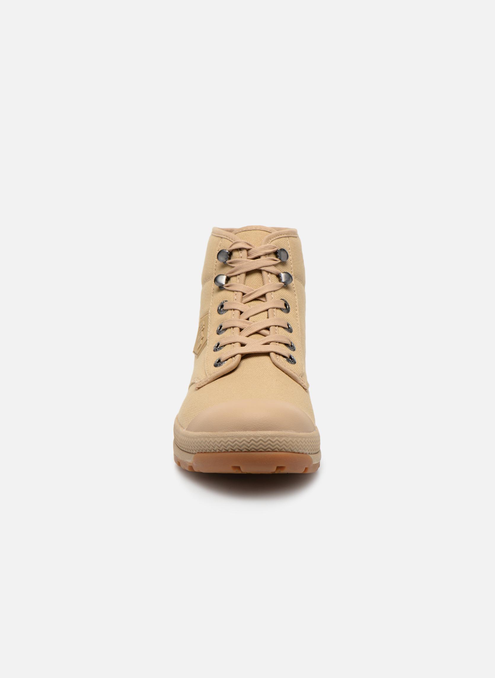 Bottines et boots Aigle Tenere 3 Light Beige vue portées chaussures