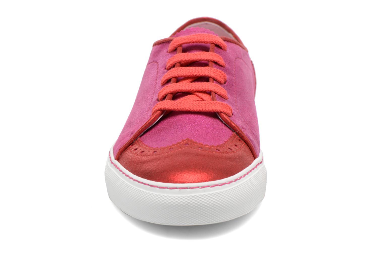 Sneakers Annabel Winship Power Rosa modello indossato