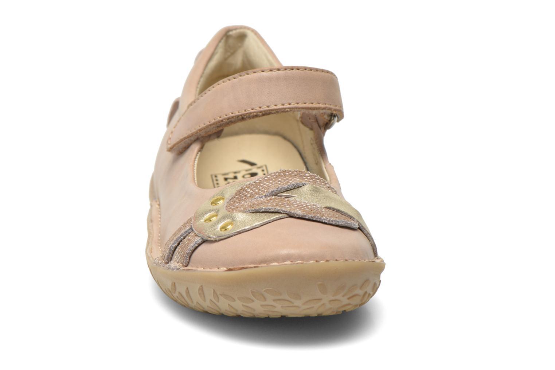 Ballerines Noël Chris Beige vue portées chaussures