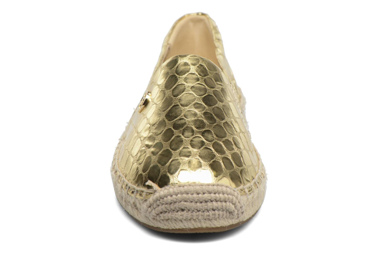 Alpargatas Michael Michael Kors Kendrick slip on Oro y bronce vista del modelo