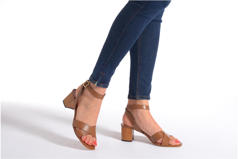 Sandales et nu-pieds Georgia Rose Batonnette Marron vue bas / vue portée sac