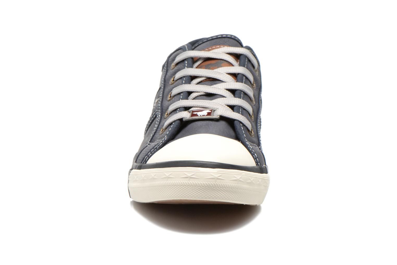 Baskets Mustang shoes Flavio Bleu vue portées chaussures