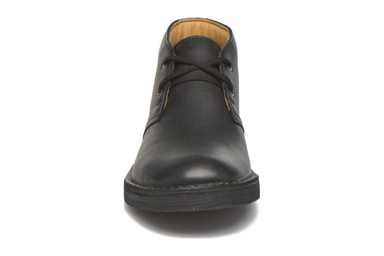 Chaussures à lacets Clarks Desert Boot Noir vue portées chaussures