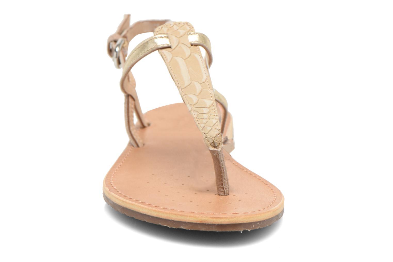Sandales et nu-pieds Geox D SOZY F D622CF Beige vue portées chaussures