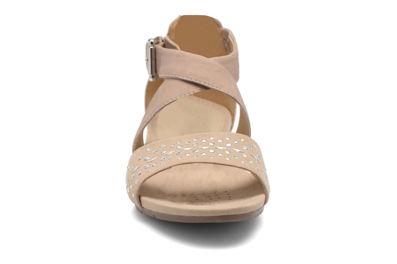 Sandales et nu-pieds Geox D FORMOSA D D6293D Beige vue portées chaussures