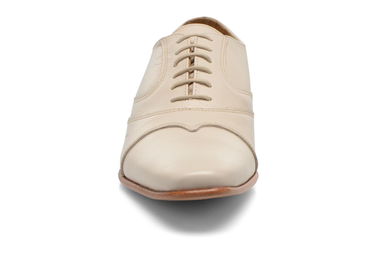 Schnürschuhe Le Formier Kach11A beige schuhe getragen