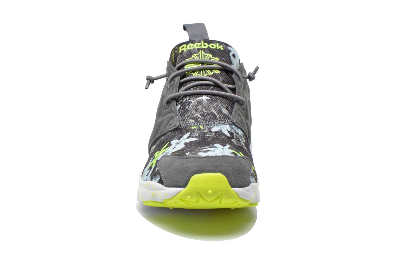 Baskets Reebok Furylite Np Gris vue portées chaussures