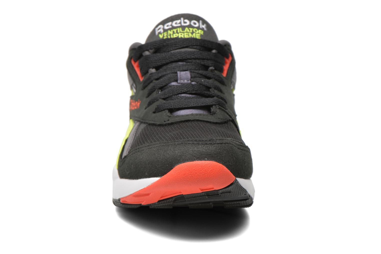 Baskets Reebok Ventilator Supreme R90 Noir vue portées chaussures