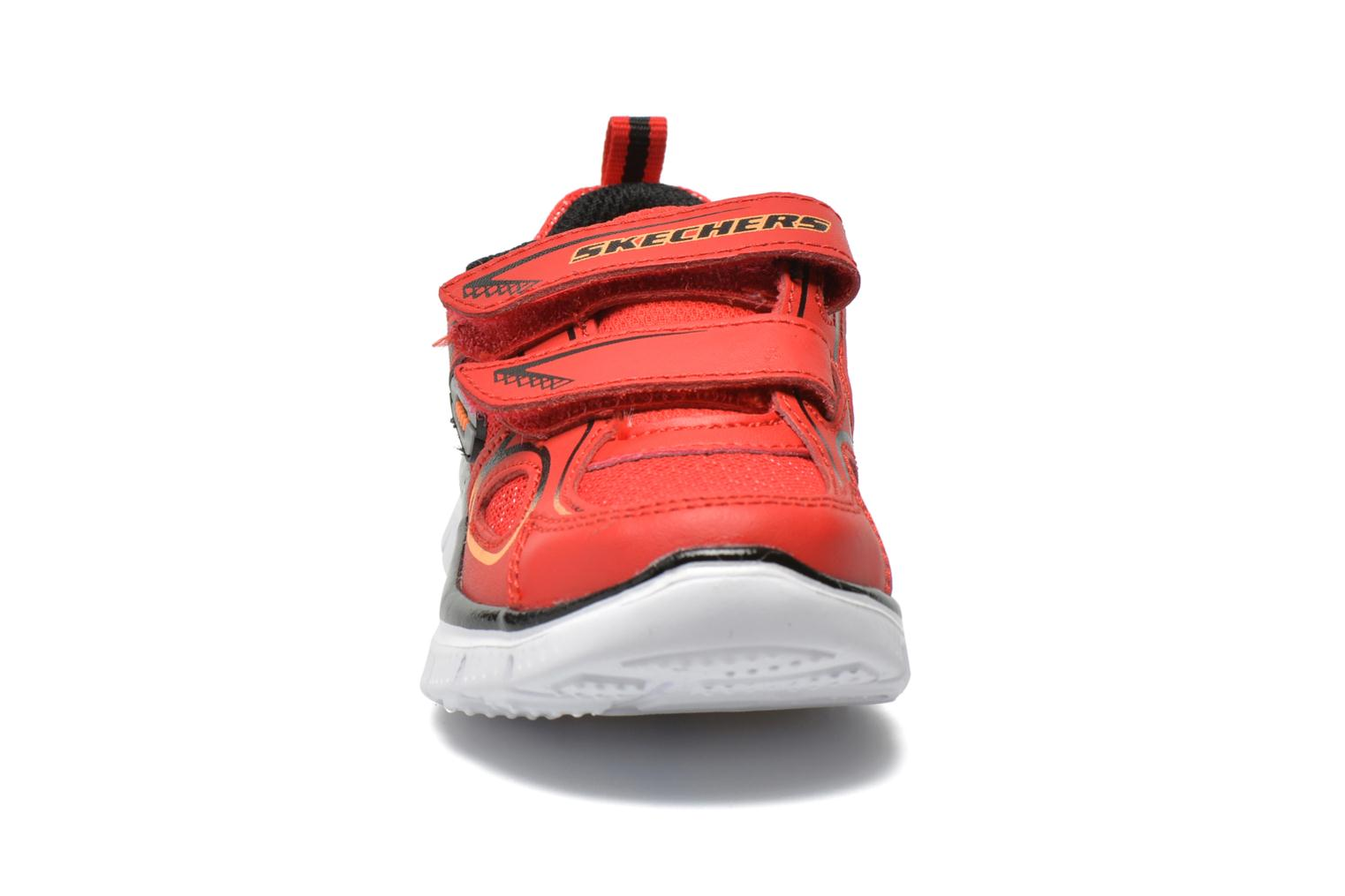 Sneakers Skechers Flex Advantage-Mini Rush Rosso modello indossato
