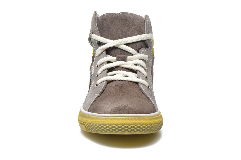 Baskets Richter Gero Gris vue portées chaussures