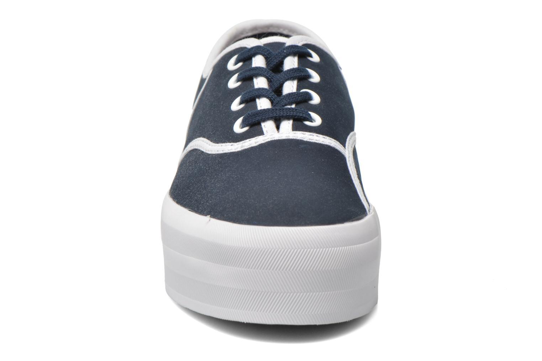 Baskets Lacoste Rene Platform 216 C Bleu vue portées chaussures