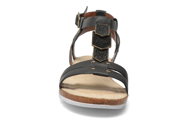 Sandales et nu-pieds Hush Puppies Bretta Jade Noir vue portées chaussures