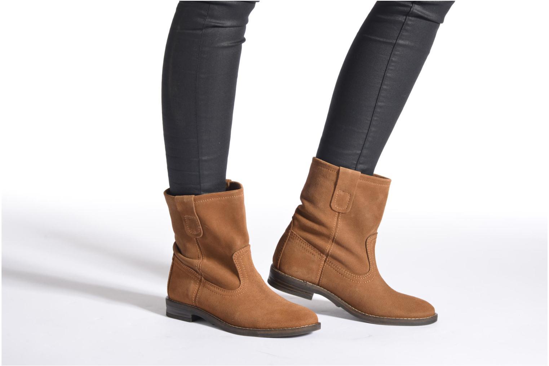 Bottines et boots Buffalo Lisa Marron vue bas / vue portée sac