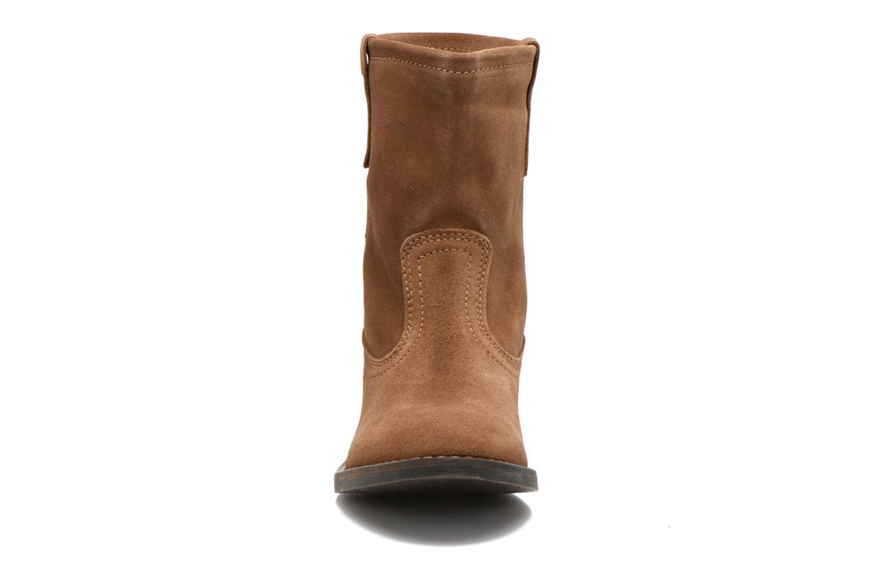 Bottines et boots Buffalo Lisa Marron vue portées chaussures