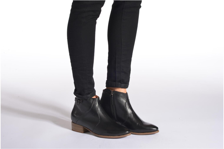 Bottines et boots Tamaris Elila Marron vue bas / vue portée sac