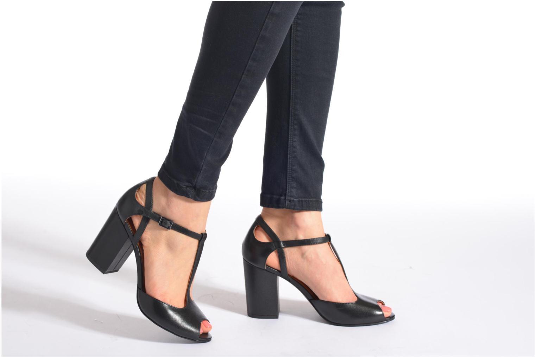 Sandalen What For Jimmy schwarz ansicht von unten / tasche getragen