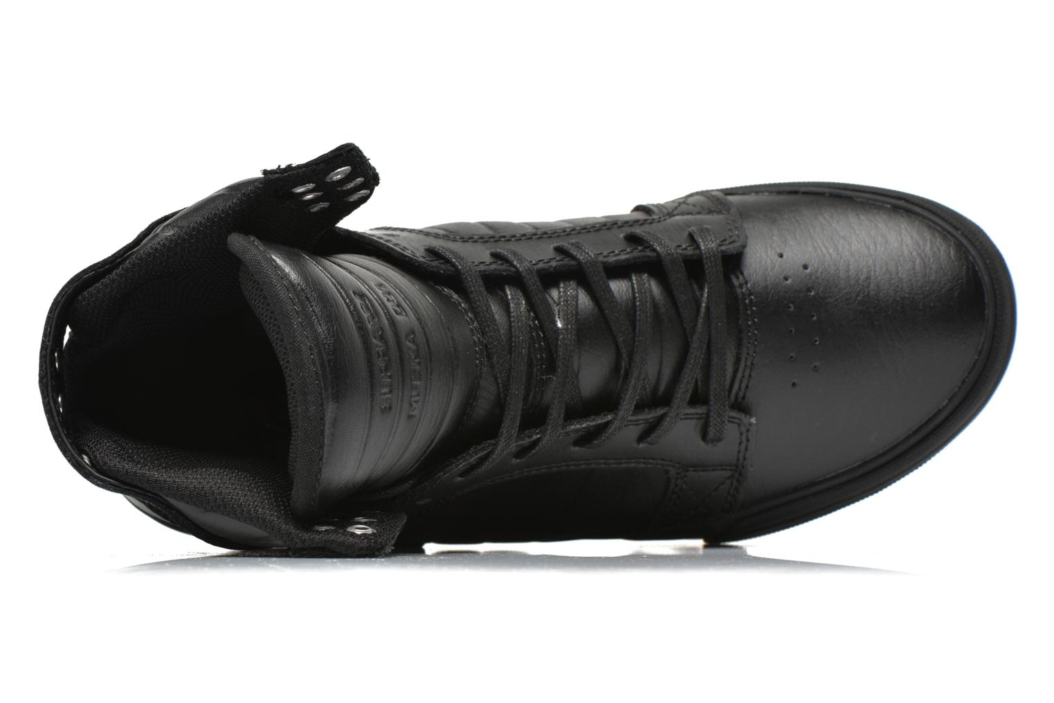 Trainers Supra Skytop Classics Black view from the left