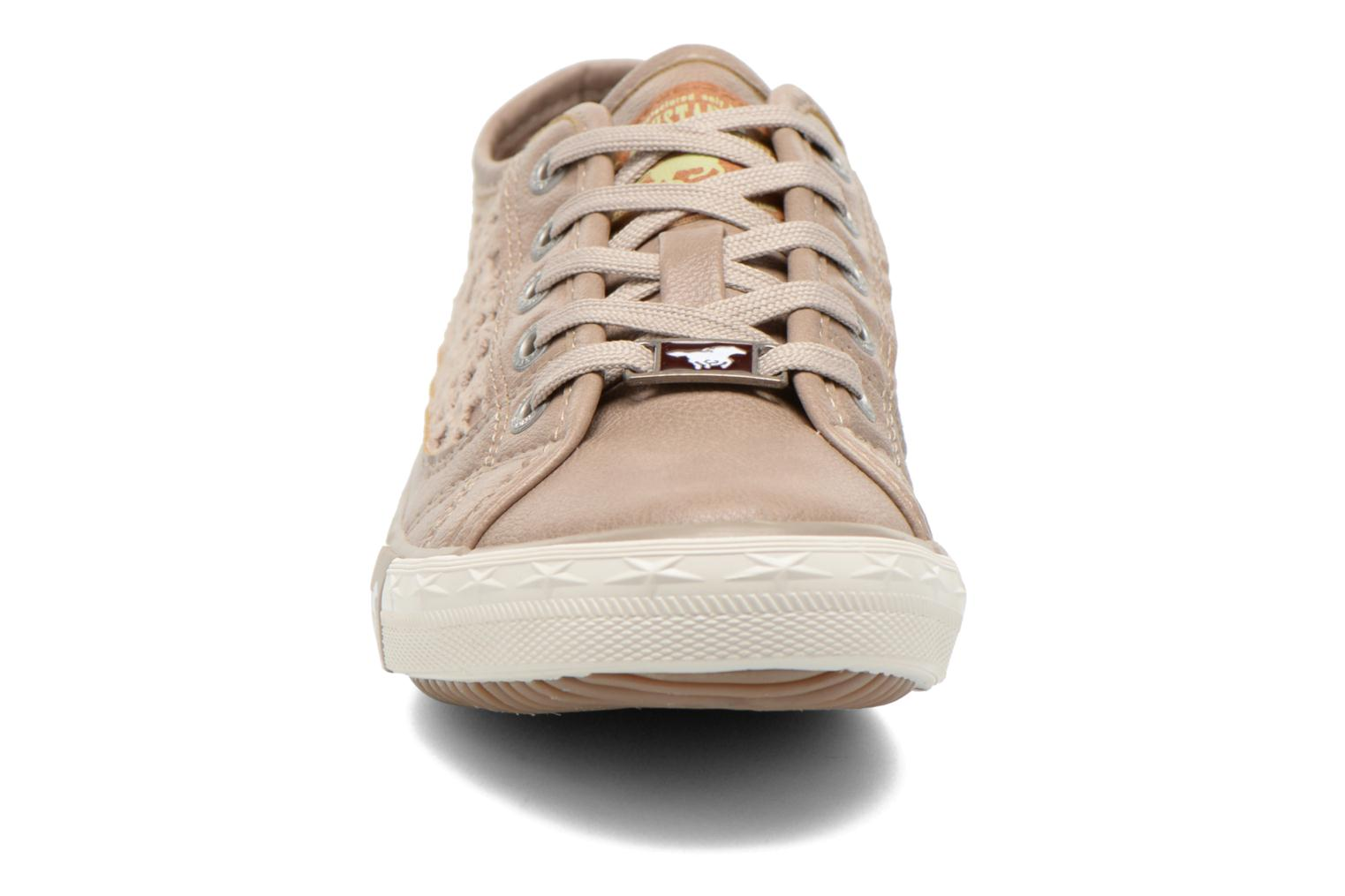 Trainers Mustang shoes Hannah Beige model view
