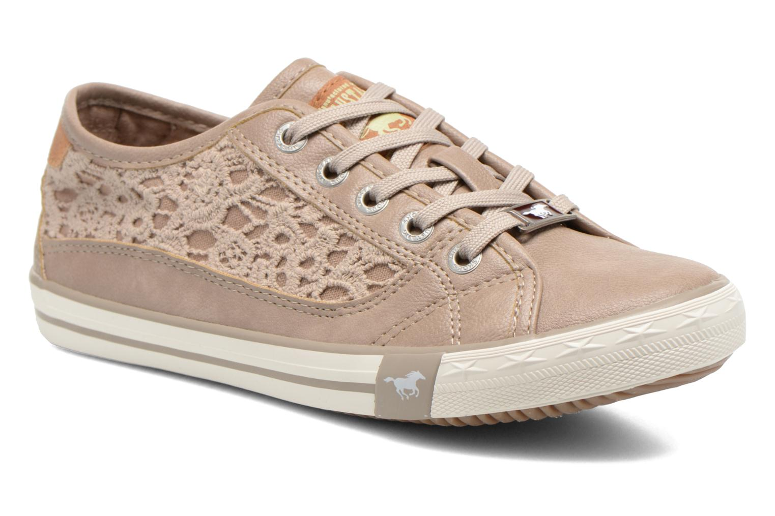 Trainers Mustang shoes Hannah Beige detailed view/ Pair view