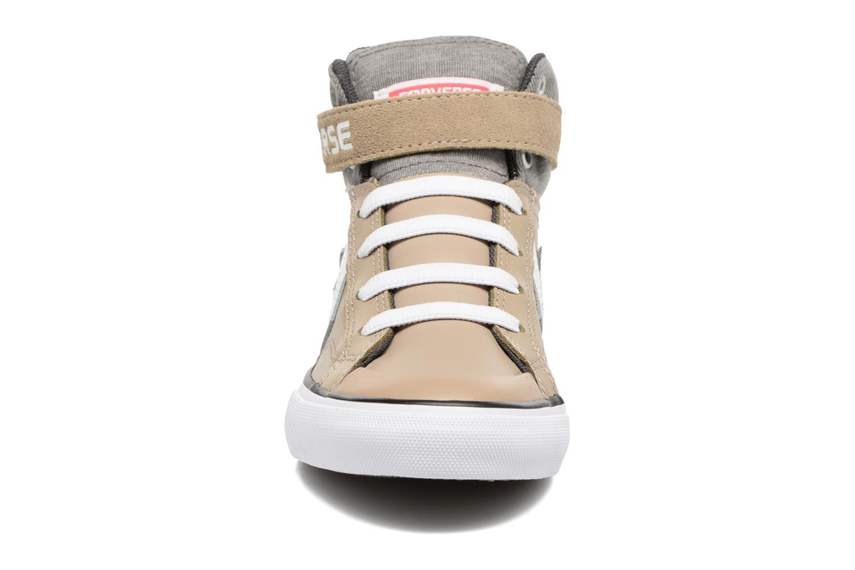 Baskets Converse Pro Blaze Strap Stretch Hi Sport Leather Beige vue portées chaussures