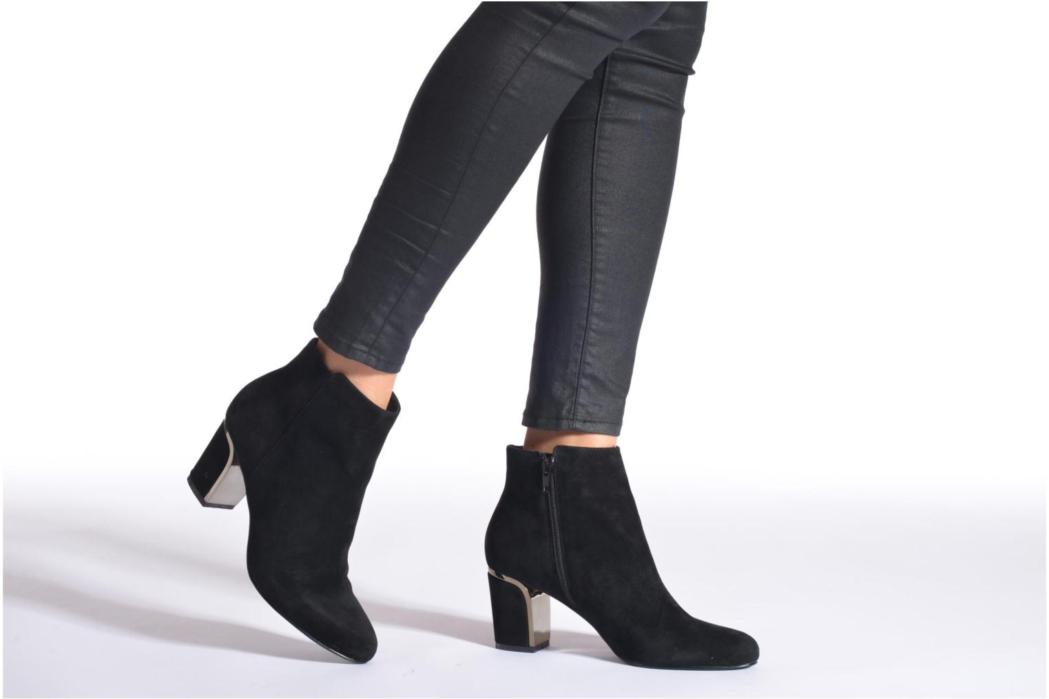 Ankle boots Minelli F80 721/VEL Black view from underneath / model view