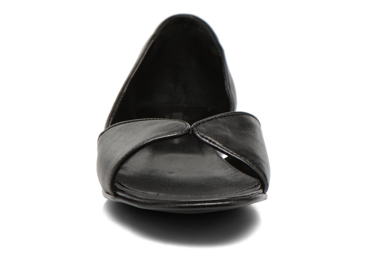 Ballerines Minelli F63 606 Noir vue portées chaussures