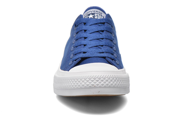 Baskets Converse Chuck Taylor All Star II Ox W Bleu vue portées chaussures