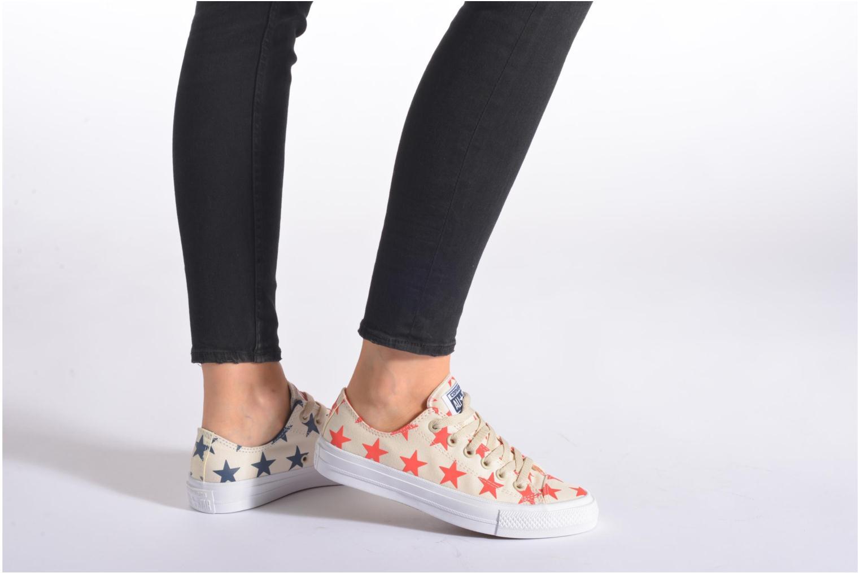 Sneaker Converse Chuck Taylor All Star II Ox W blau ansicht von unten / tasche getragen
