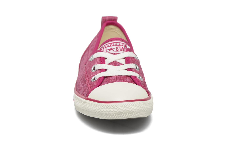 Baskets Converse Chuck Taylor All Star Ballet Lace Rose vue portées chaussures