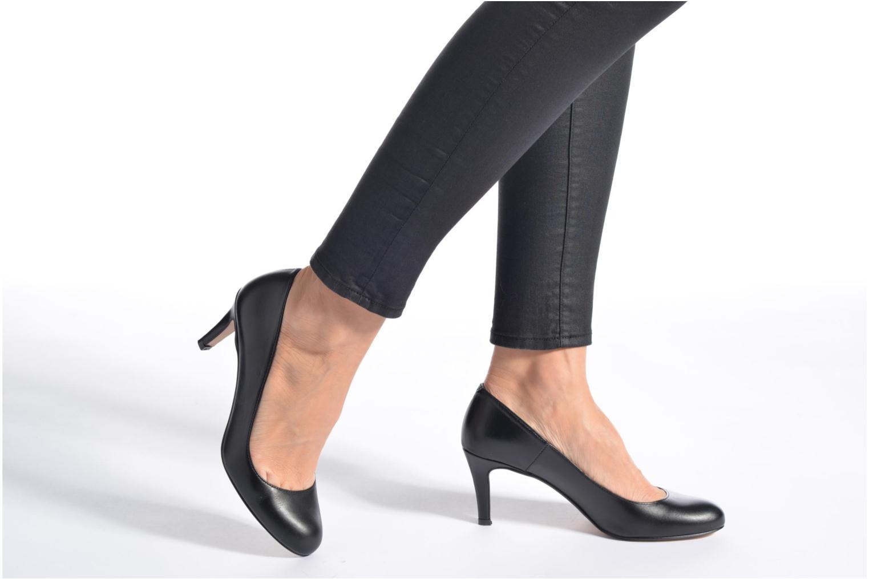 High heels Georgia Rose Selina Black view from underneath / model view