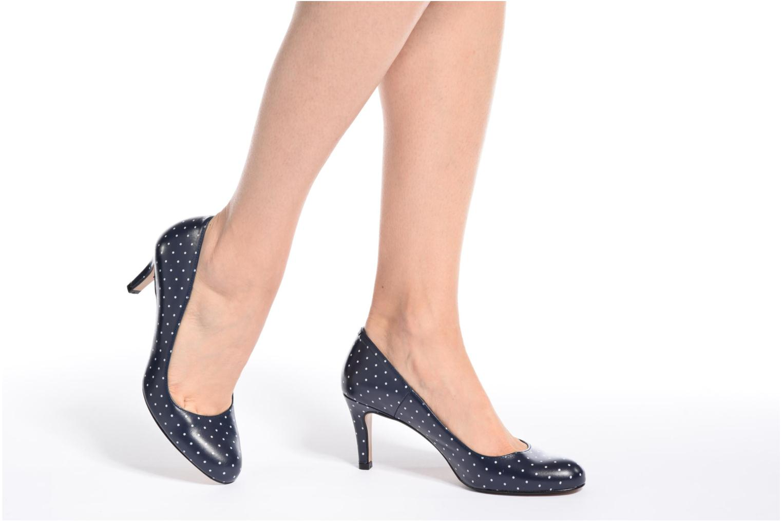 High heels Georgia Rose Selina Blue view from underneath / model view