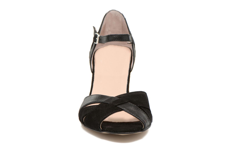Zapatos de tacón San Marina Mitona Negro vista del modelo