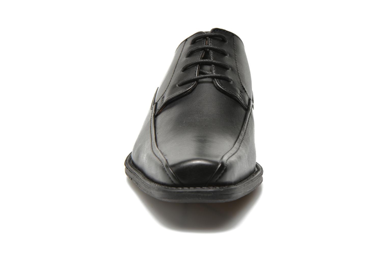 Zapatos con cordones San Marina Aladin Negro vista del modelo