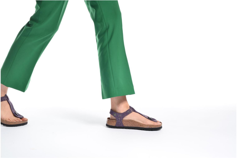 Sandalen Papillio Kairo schwarz ansicht von unten / tasche getragen
