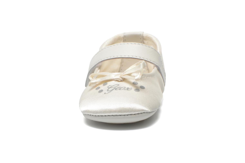 Ballerinas Geox B Ian B5253C weiß schuhe getragen