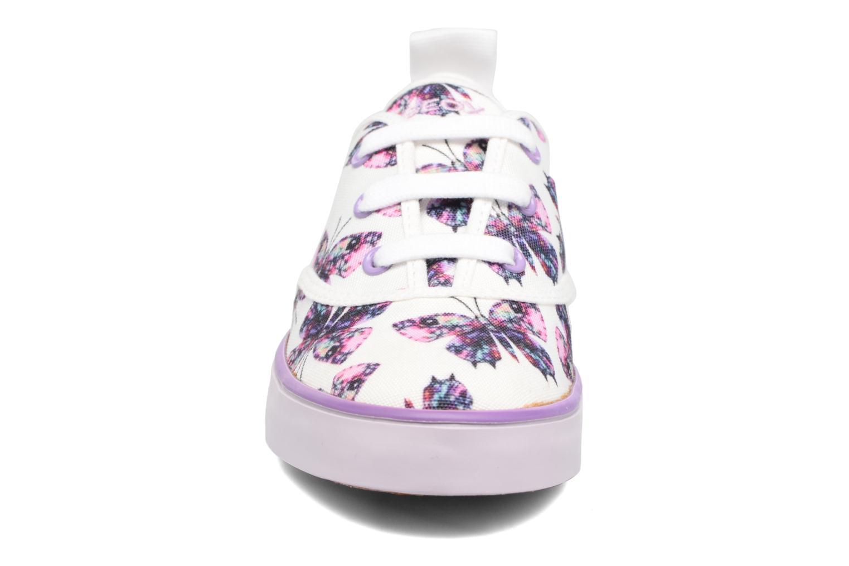 Sneakers Geox JR Ciak Girl J5204E Bianco modello indossato