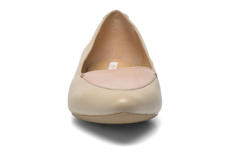 Ballerines Geox D Leslie D52X3A Beige vue portées chaussures