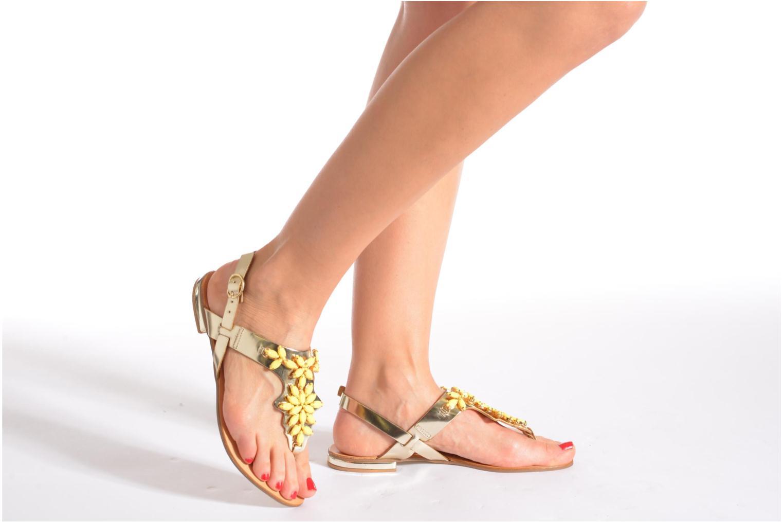 Sandales et nu-pieds Georgia Rose Dollie Noir vue bas / vue portée sac