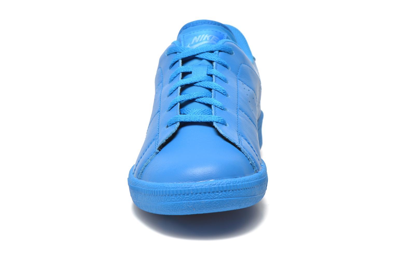 Baskets Nike Tennis Classic Prm (Gs) Bleu vue portées chaussures