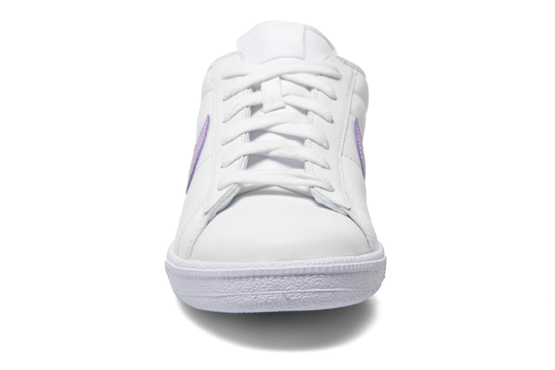 Baskets Nike Wmns Tennis Classic Blanc vue portées chaussures
