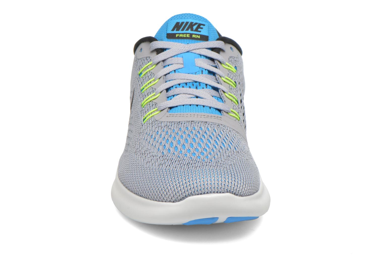 Chaussures de sport Nike Nike Free Rn Gris vue portées chaussures
