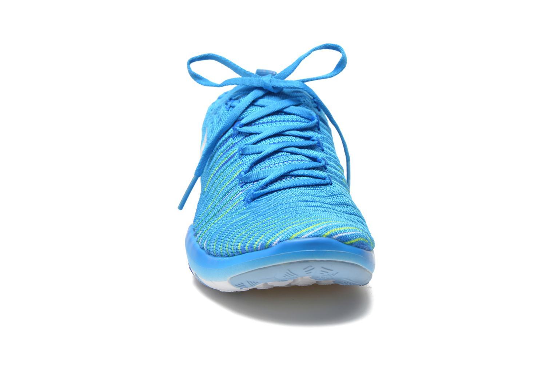 Chaussures de sport Nike Wm Nike Free Transform Flyknit Bleu vue portées chaussures