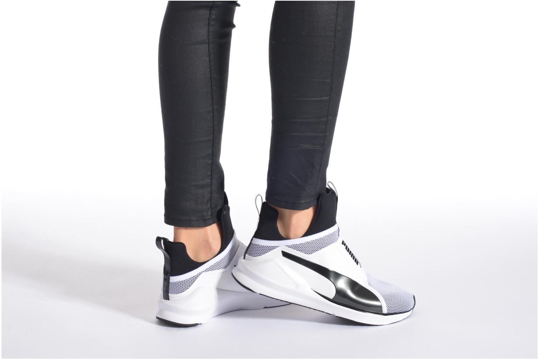 Sportschuhe Puma WNS Fierce Core weiß ansicht von unten / tasche getragen