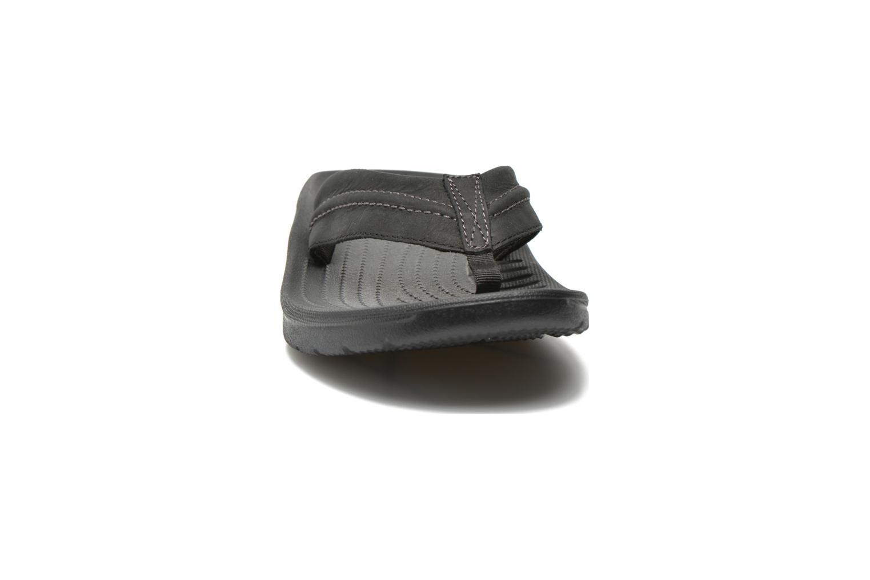 Tongs Crocs Yukon Mesa Flip M Noir vue portées chaussures