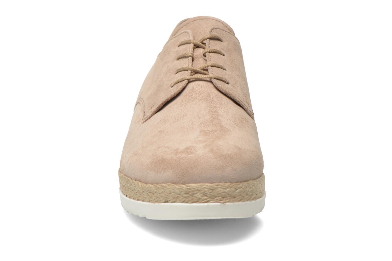 Snörade skor Gabor Lilo Beige bild av skorna på