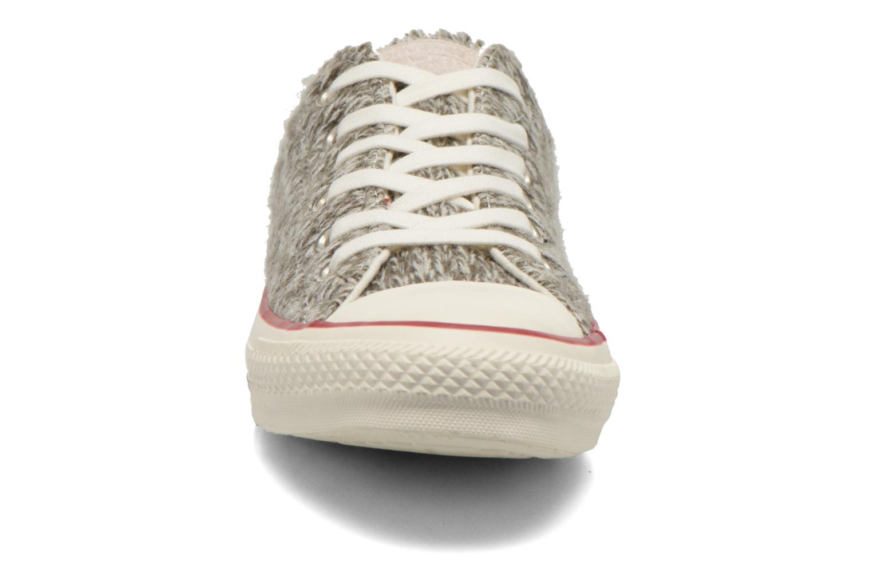 Baskets Converse Chuck Taylor All Star Ox Knit W Gris vue portées chaussures
