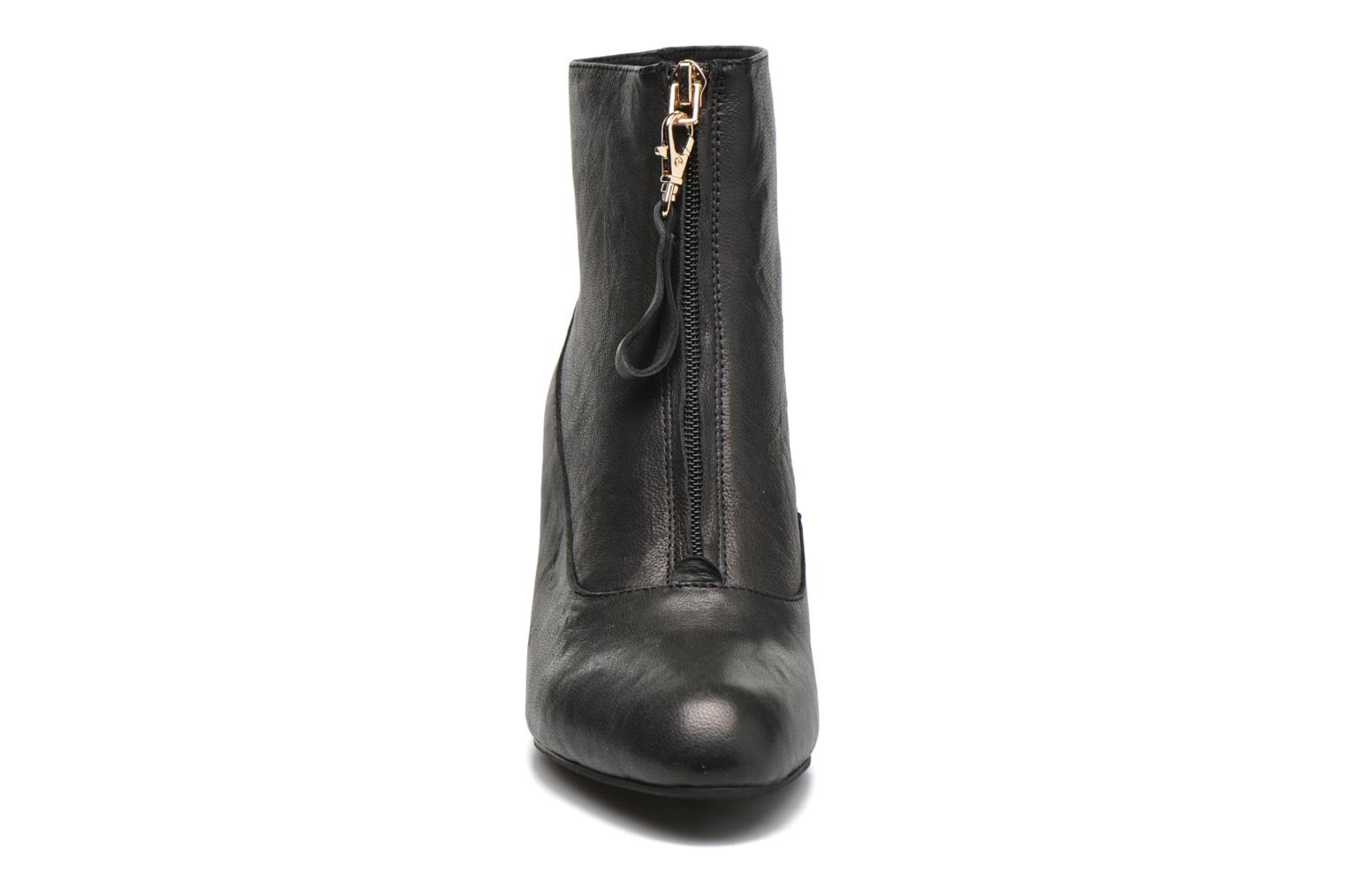 Ankle boots Shoe the bear Astrid L Black model view