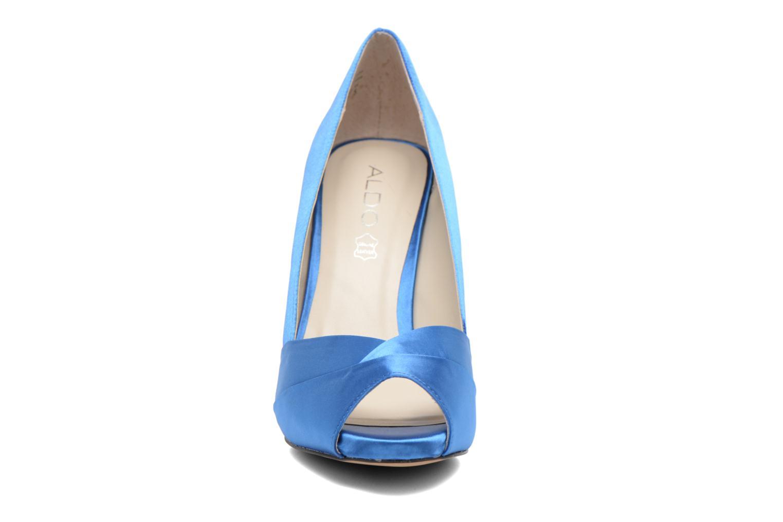 Zapatos de tacón Aldo Scibilia Azul vista del modelo