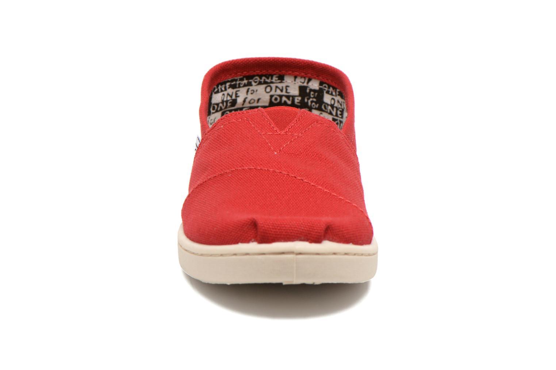 Sneaker TOMS Canvas Classics rot schuhe getragen